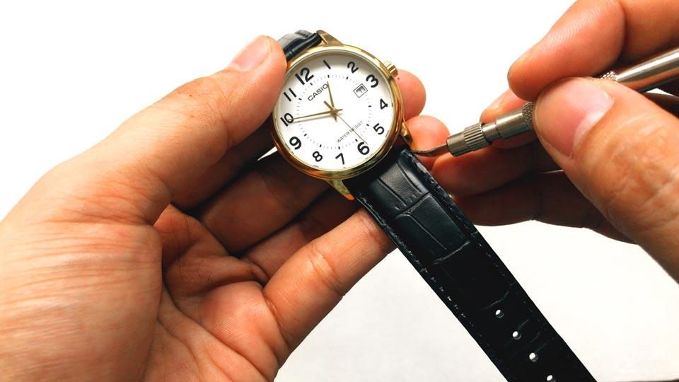 نحوه براق كردن استيل ساعت مچی چگونه است؟