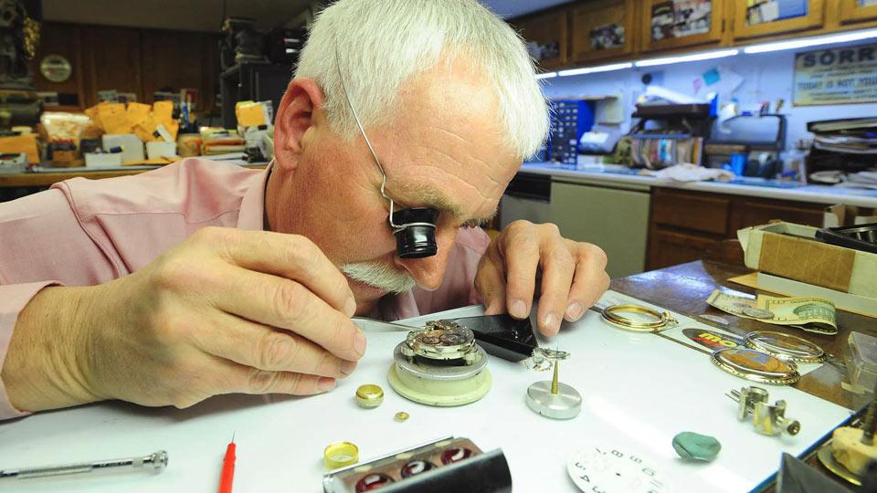 بهترین تعمیرکار ساعت مچی